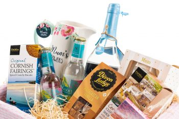 Premium Happy Mother's Day Gift Hamper Close Up