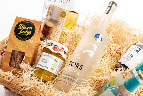 Surfs Up Food & Drink Hamper Close